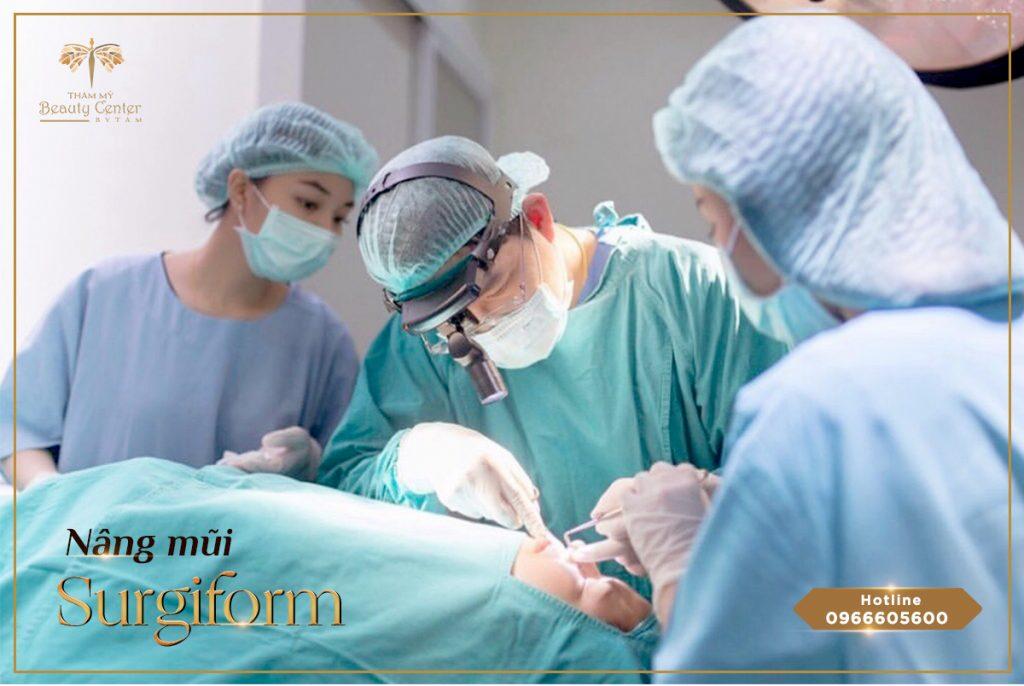 Có đội ngũ bác sĩ tay nghề cao, chuyên môn giỏi, giàu kinh nghiệm: