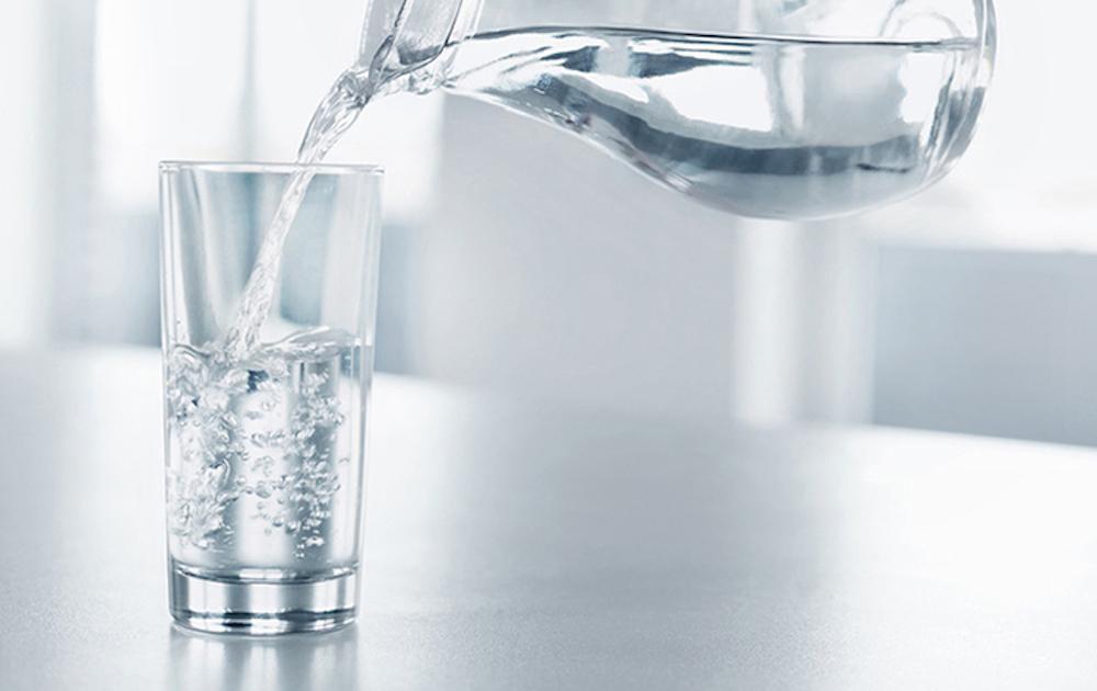 giảm mỡ đùi bằng uống nước