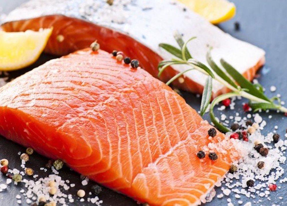 ăn cá hồi