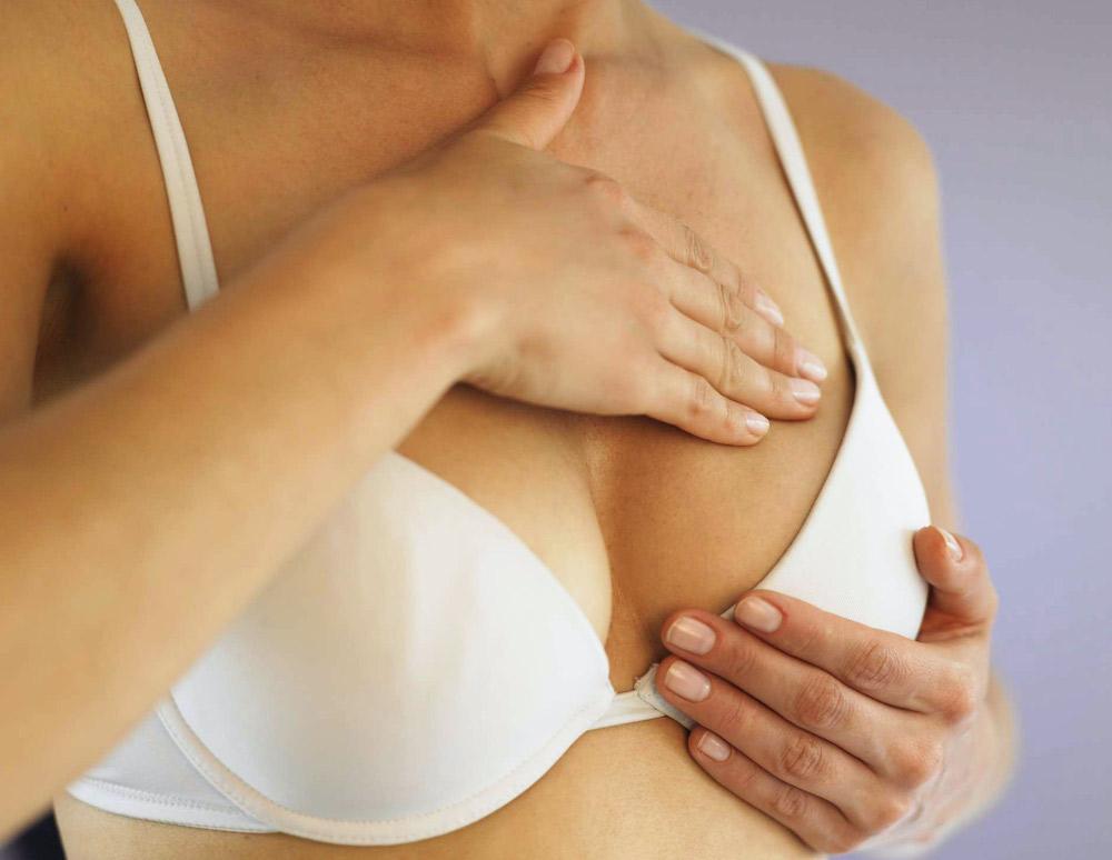 chăm sóc ngực sau khi nâng ngực