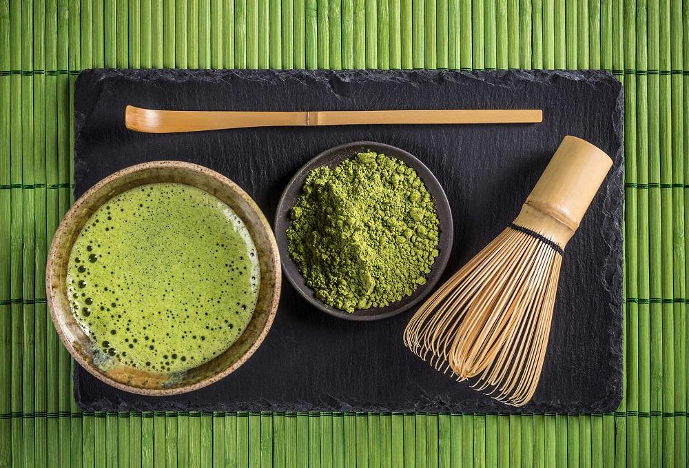 tri thâm nách bằng bột trà xanh