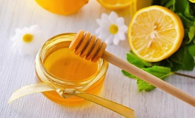 mật ong và nước cốt chanh