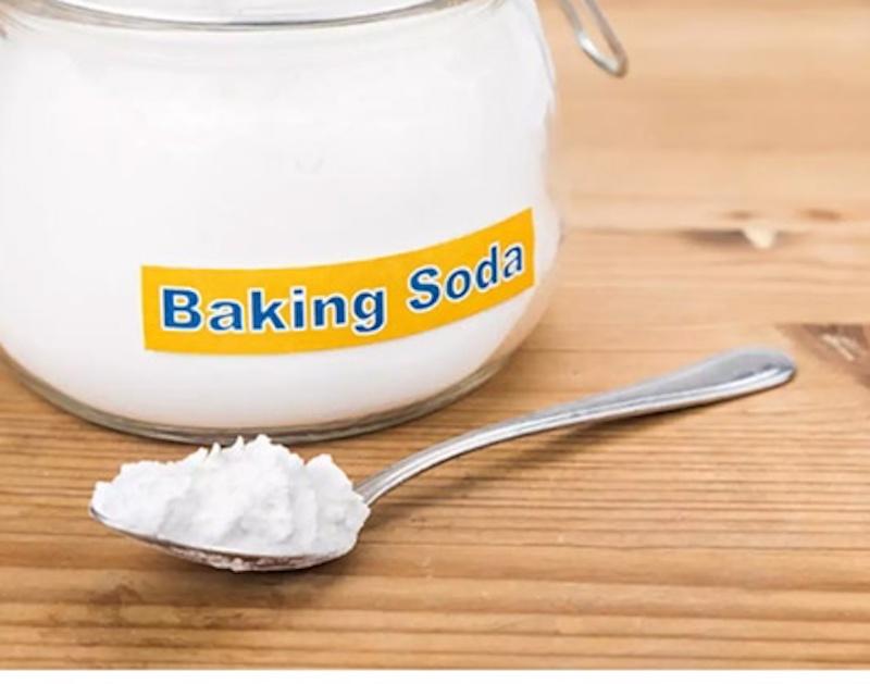 triệt lôg bằng baking soda