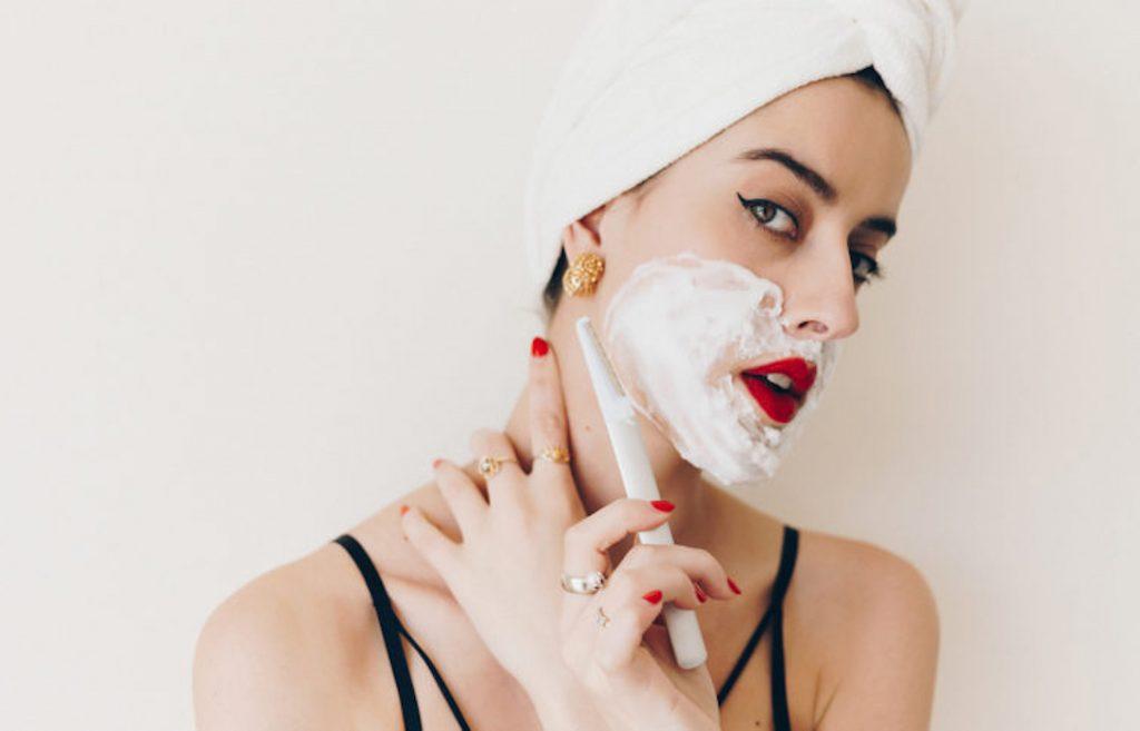 cạo lông mặt an toàn