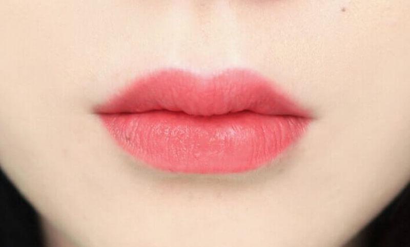 môi hồng cam đẹp tự nhiên