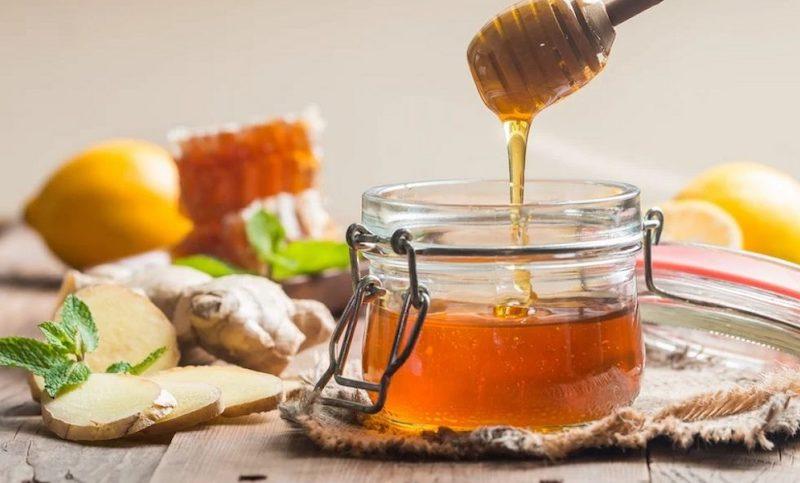 xoá lông mày với mật ong