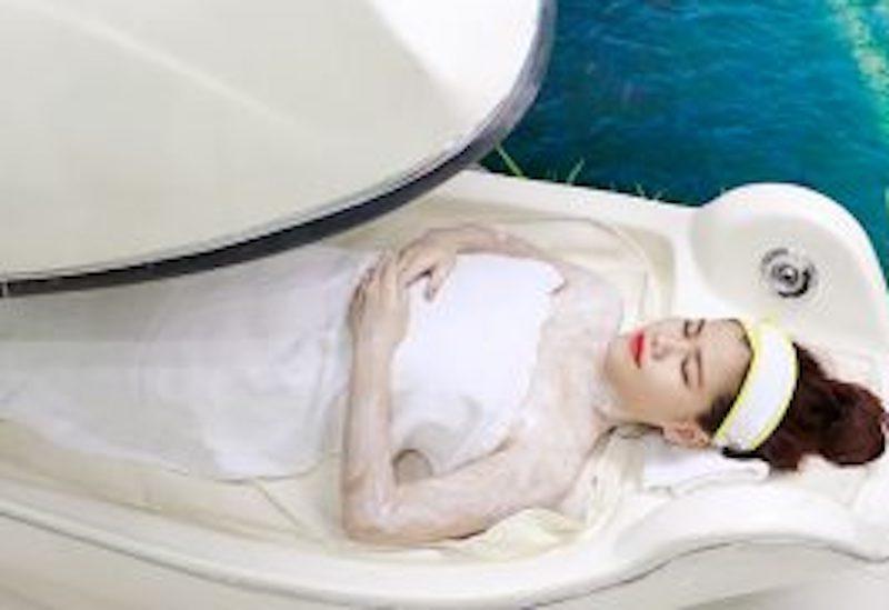 tam trắng phi thuyền