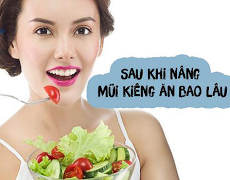 kiêng ăn sau khi nâng mũi