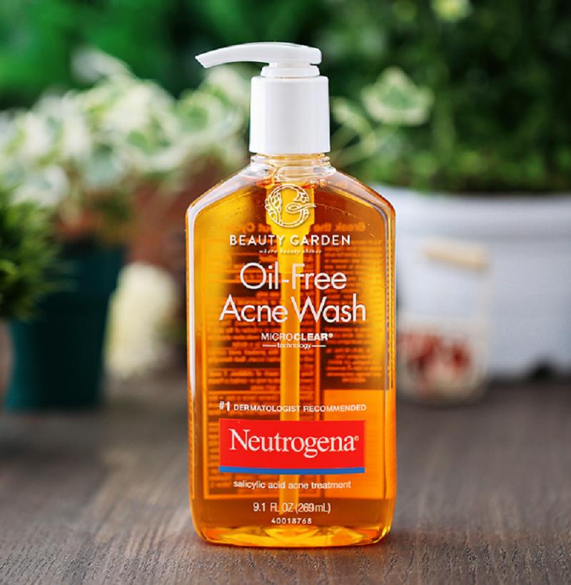Sữa rửa mặt trị mụn Neutrogena Oil-free Acne Wash.