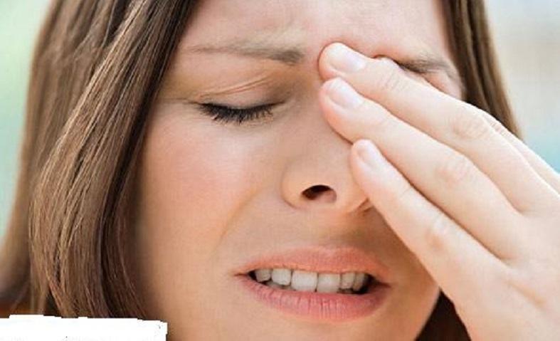 đau tăng dần vùng mũi