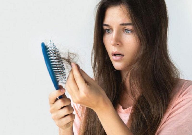 Vì sao tóc lâu mọc và dễ gãy rụng?