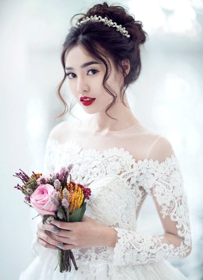 tóc búi cao cô dâu