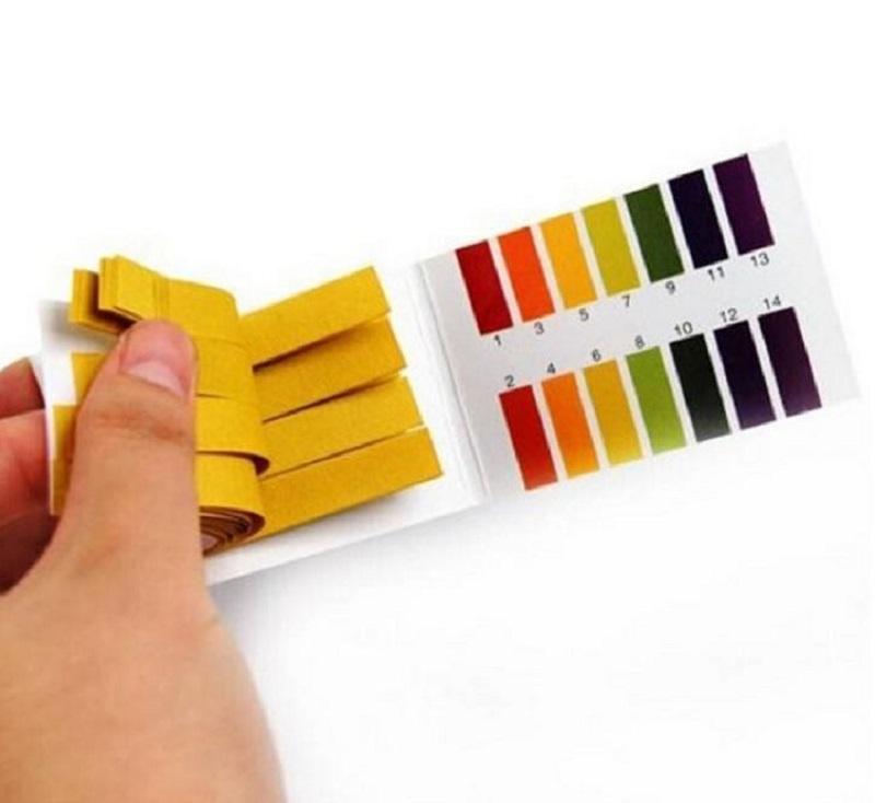 Sử dụng giấy quỳ tím để test độ pH